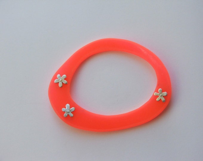 Silver and Recycled Vinyl Bangle, Climate Action, Reuse Jewellery, Made from Beach Plastic, Environmental Jewellery