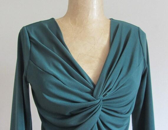 V Shape Front Neck Blouse Design