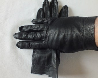 498b26bb4e905 Vintage FINE LEATHER Black GLOVES Size 7. Fab.