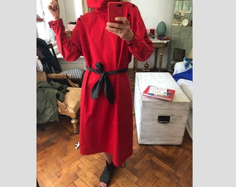 M 80s oversized red trench coat dress / avant garde mid length / a line/ sport collar cocoon sleeves/ sack dress long big collar jumpsuit