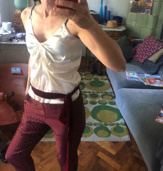 S/ ivory Silk satin top velvet burgundy belt slip