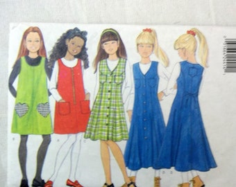 267e7c6735 Butterick  4696 Girl s jumper with different pocket options
