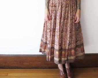 70s vintage hippie garden witch paisley skirt// tapestry print full long peasant skirt// medium