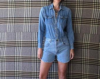 28w// 80s vintage high waisted wrangler frayed jeans// 28W medium
