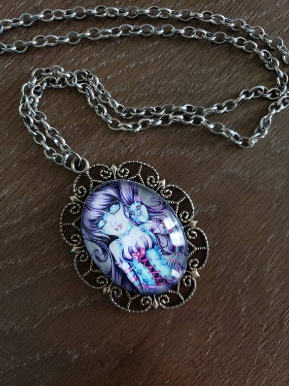 Vamprire Lady Necklace