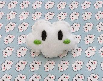 White cheeks cloud brooch Green