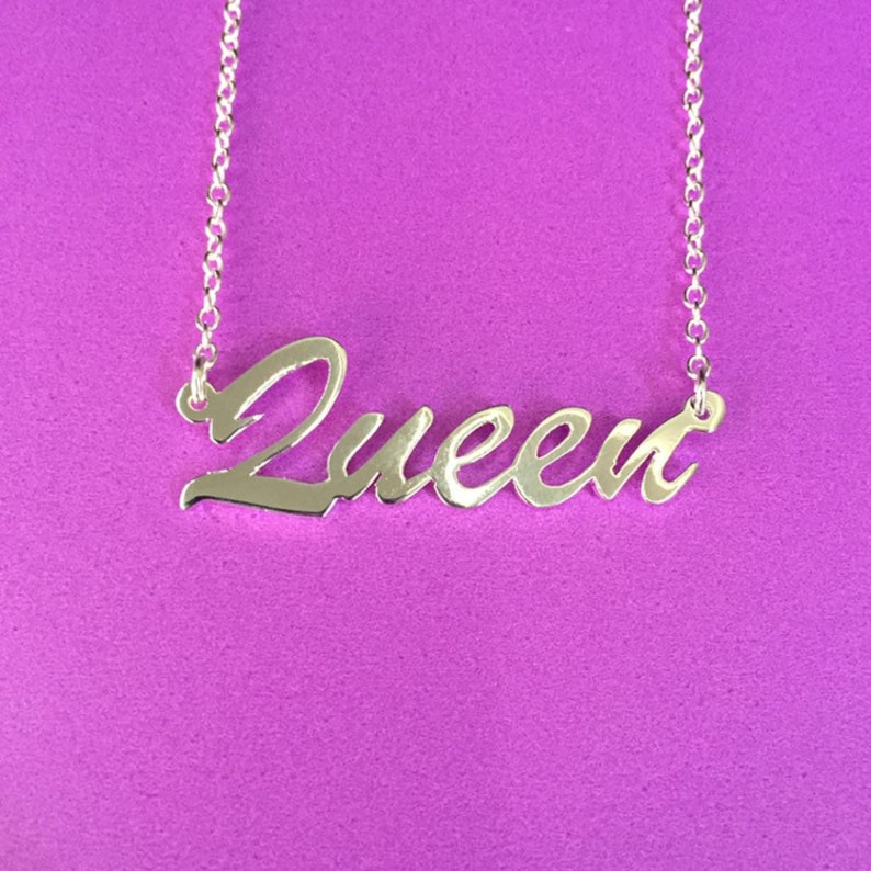 16 'Queen' necklace image 0