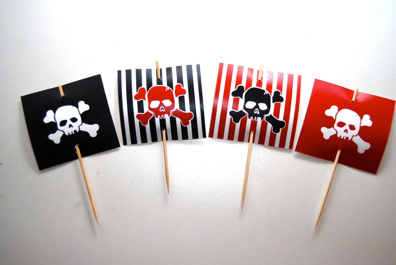 соседствуют картинки на шпажки в пиратском стиле предсказаниями итоге