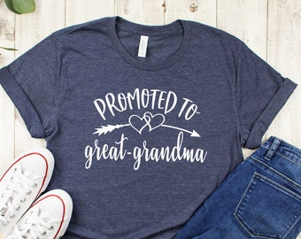MY GREAT GRANDMA LOVES ME JUST THE WAY I AM! Toddler Long-Sleeve T-Shirt