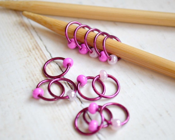 Knitting Stitch Markers / Pinked Out / Dangle Free - Snag Free - Knitting Stitch Markers - Small Medium Large Sizes Available