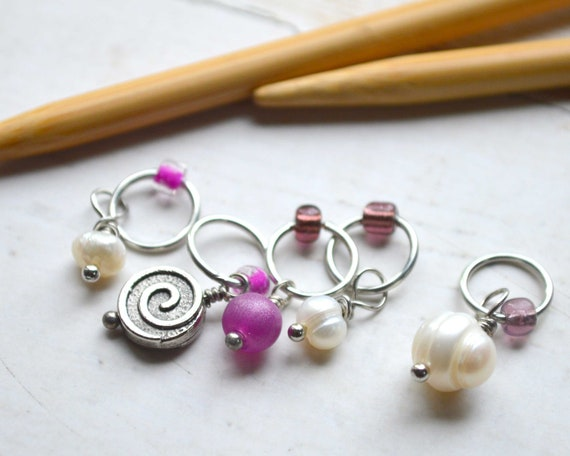 Knitting Stitch Markers - Wisdom / Snag Free / Multiple Sizes Available