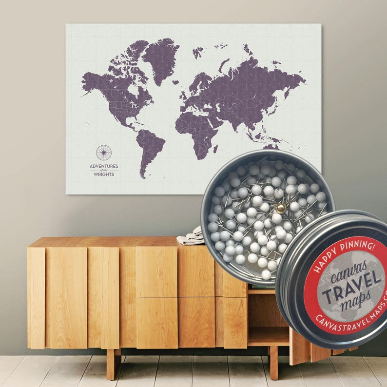 0eeb7b60d039 Spingere la mappa di mondo Pin etichettata Vintage Dusk | Etsy