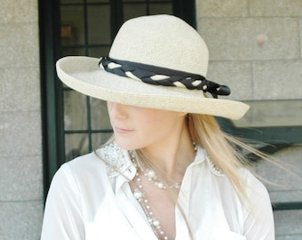"Packable adjustable SPF 50 ""Delray"" hat with grossgrain ribbon and raffia braid"