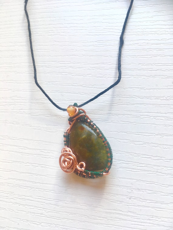 Moss Agate Healing Mental Clarity Amulet