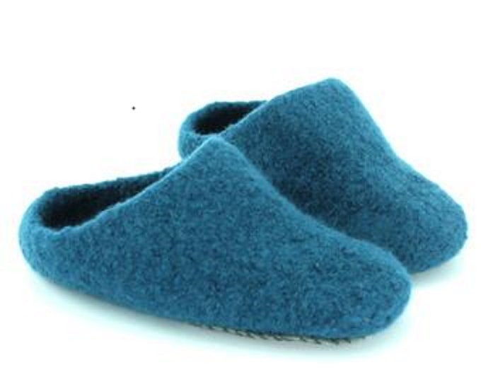 READY MADE SLIPPERS