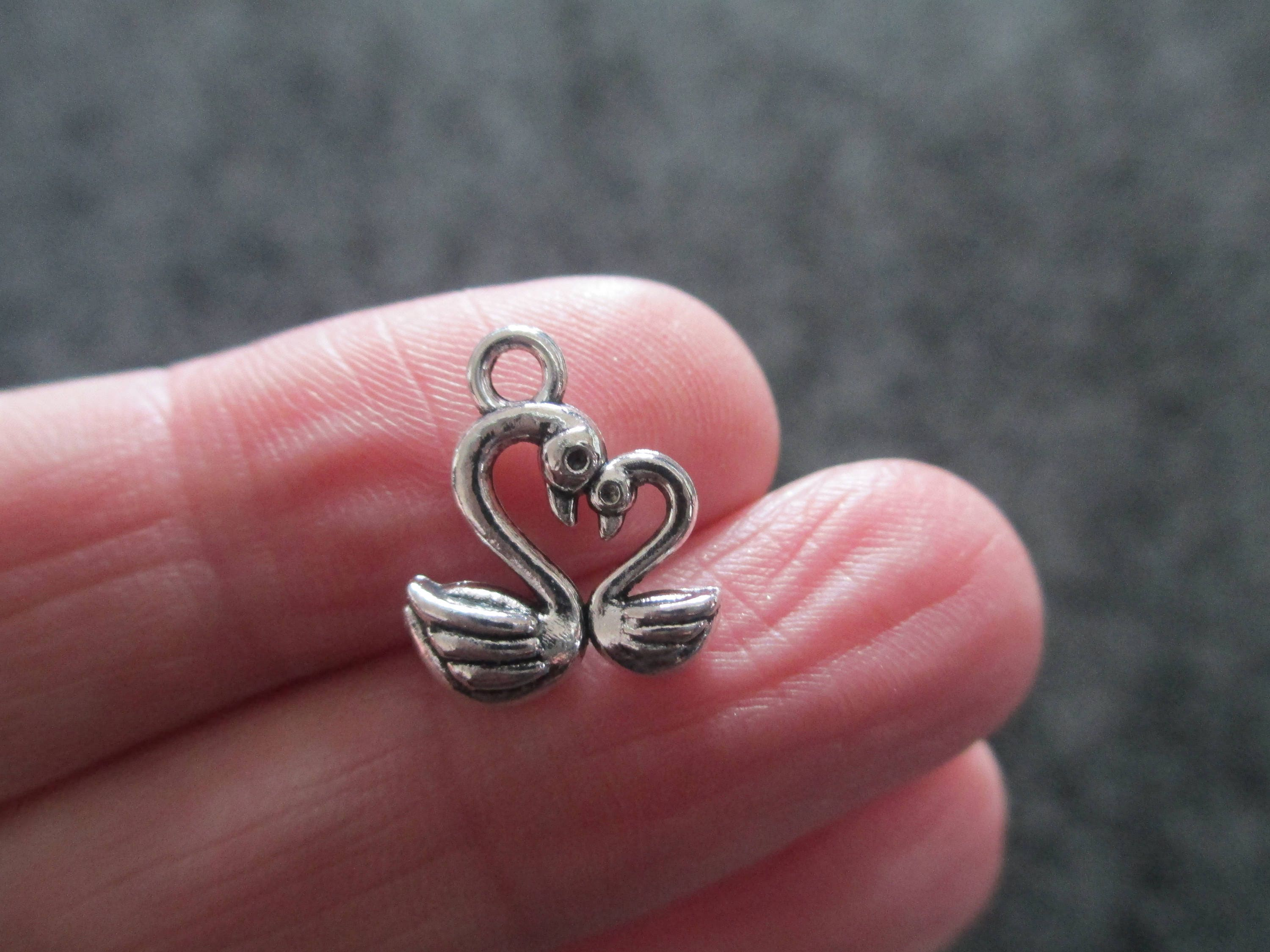 10 x Tibetan Silver HEART WITH /'I LOVE YOU WORDING/' HEART Charms Pendant Bead