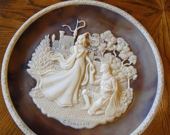 20% SALE, Vintage Carl Romanelli Lancelot & Guinevere Collector Plate, Great Romances of History, Incolay Stone Cameo Lovers