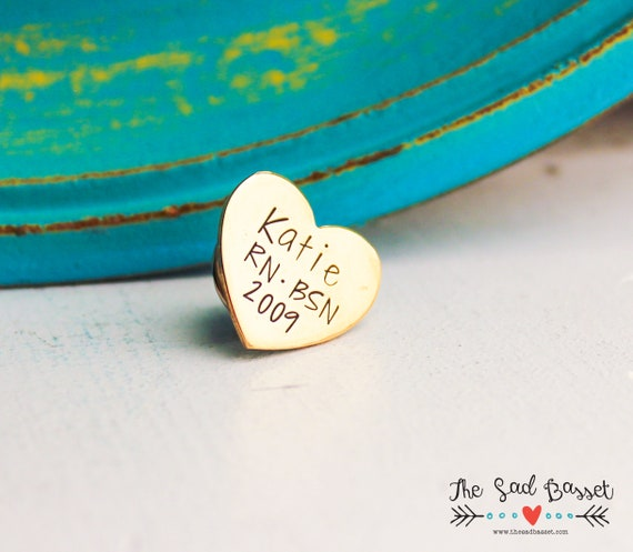 custom nursing gift aluminum heart Nurse pin for pinning ceremony with name
