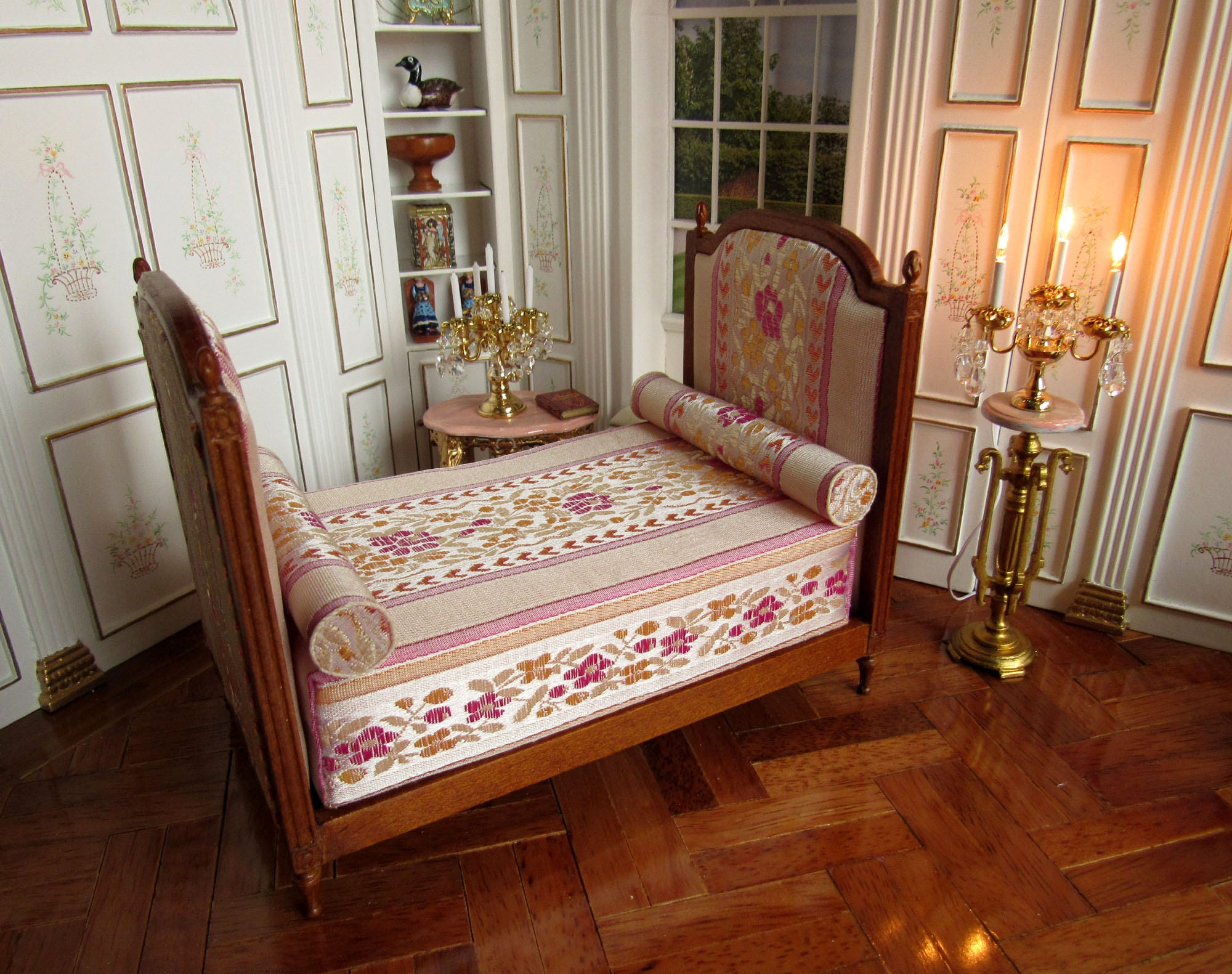 12 skala puppen haus franz sisch duchesse bett walnuss etsy. Black Bedroom Furniture Sets. Home Design Ideas