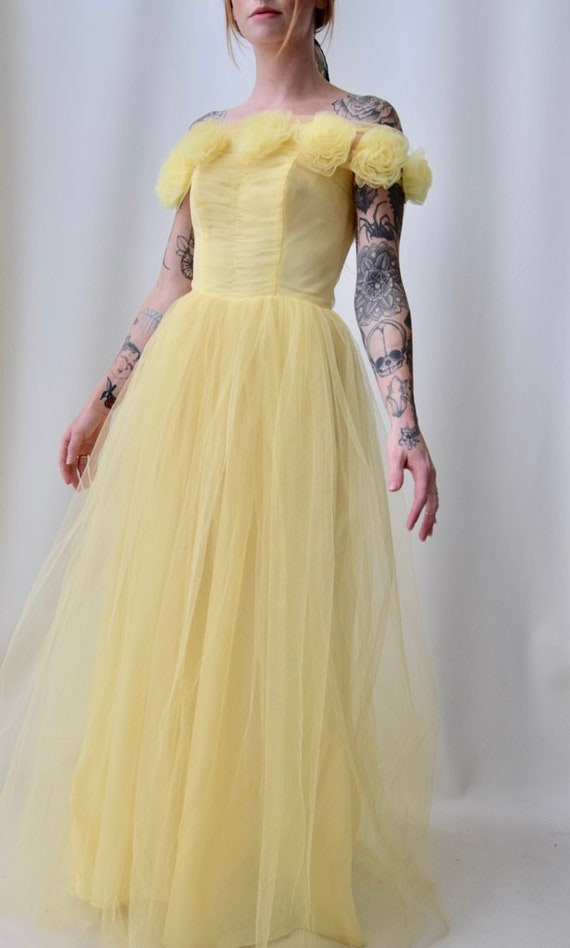 1950's Elegant Yellow Tulle Party Dress