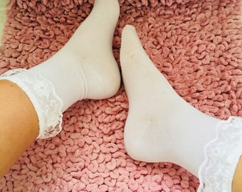 7416405fd152c White Lace Frilly Socks