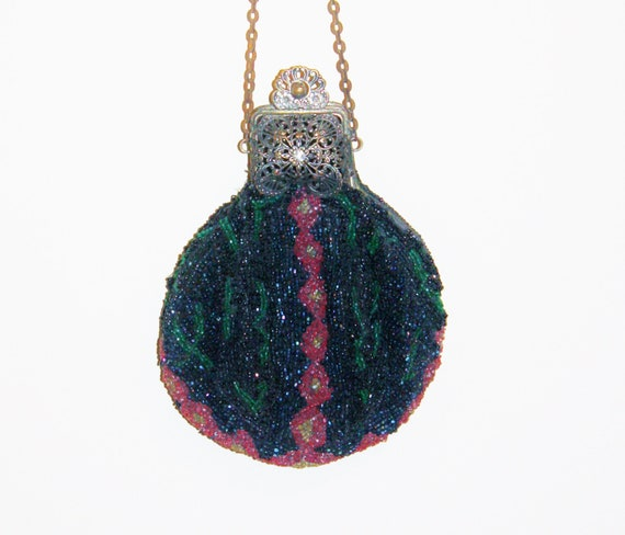 CLEARANCE Victorian Beaded Puffy Purse Art Nouveau