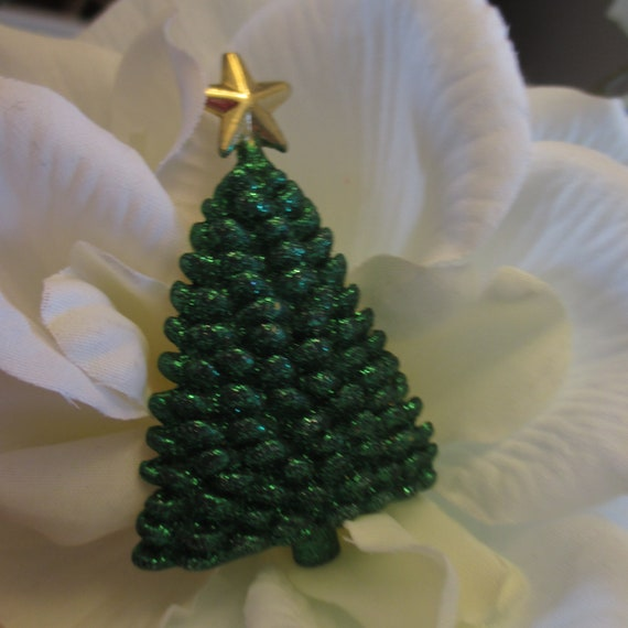 Vintage Sparkly Green Christmas Tree Brooch with G