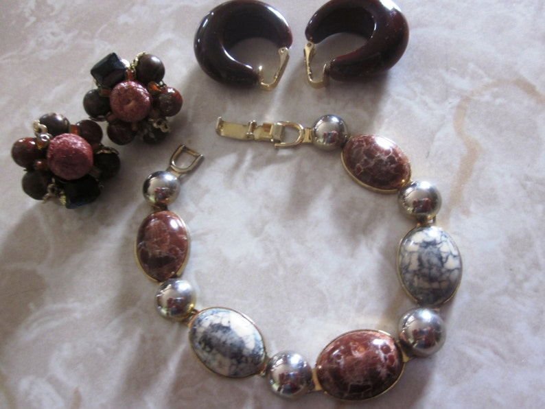 SALE Brown Jewelry Lot Sarah Coventry and Japan Beaded 2 Pairs of Brown Earrings Jewelry Set Vintage Scarab Gold and Brown Bracelet