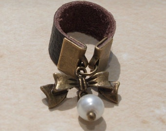Bow and Pearl Leather Ring Sz 4-14