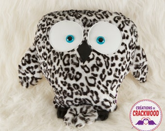 Owl pillow, Snowy Owl plush, home decoration, forest animal, night bird, sorcerer's friend - Crackwood's Creations