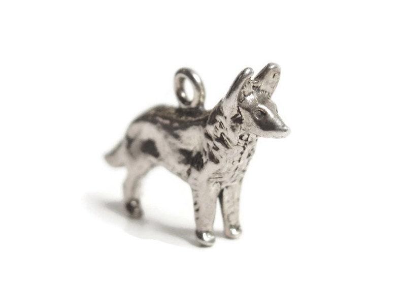 Vintage 3-D German Shepard Alsatian DOG Sterling Silver CHARM Pendant for Bracelet or Necklace 4.6gr Artisan Crafted Pet Lover Jewelry Gift