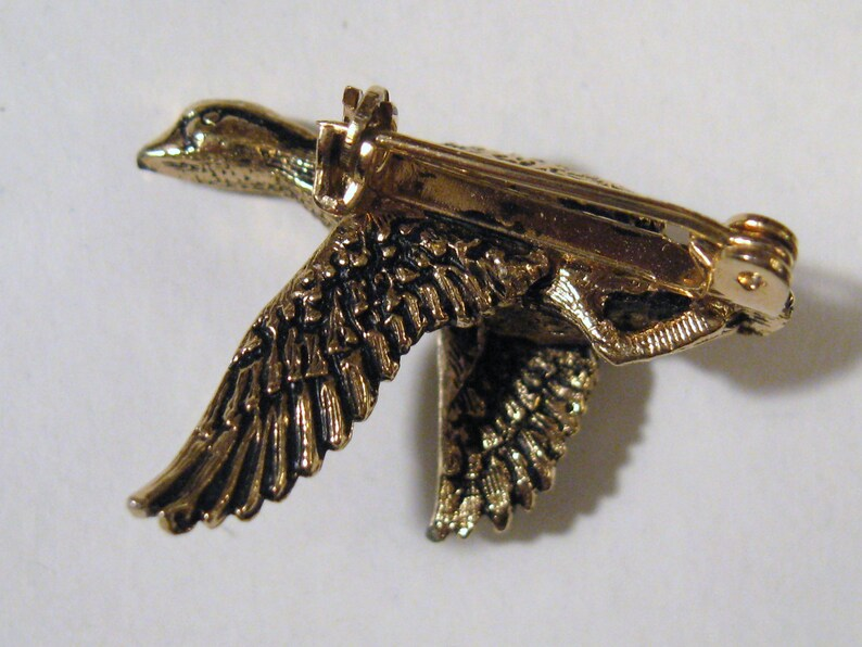 Vintage 1970s Antique Textured Brass Flying WOOD DUCK BIRD Classic Autumn Fall Retro Fashion Jewelry