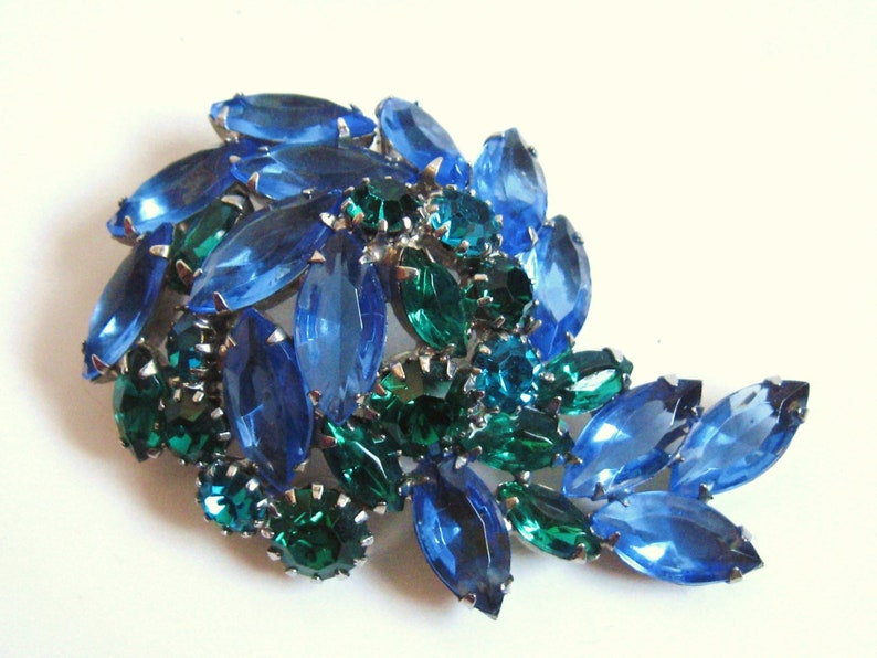 MID CENTURY Vintage WEISS Silver Blue Teal Green Rhinestone Floral Spray Cluster Clip Earrings /& Brooch Pin Downton Gatsby Style Jewelry