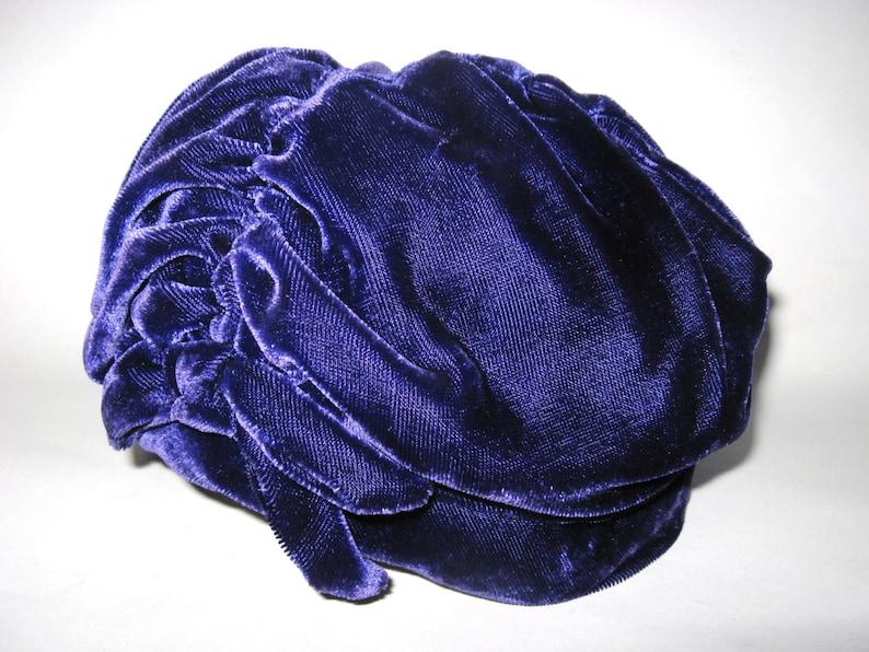 e44e1f5b9dd66 EDWARDIAN REVIVAL Vintage Purple Velvet CLOCHE Hat Downton   Etsy
