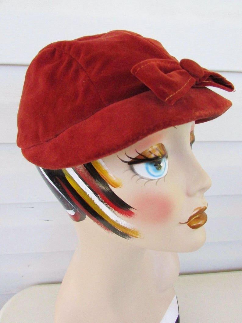 0f86f672c726d MOD Vintage 1960s Rust Velvet NEWSBOY CAP Tilt Bow Brim Hat   Etsy