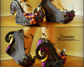 """Sculpted Hill """"Nightmare"""" Cemetery Halloween Wedges"""