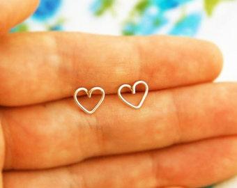 Tiny heart gold earrings, heart stud earrings, small post earrings gold, minimalist earrings, simple studs, everyday jewelry, heart earrings