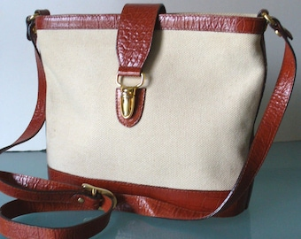 c01e1cd649 Talbots Made in Italy Leather   Linen Shoulder Bag