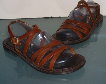 3a98d3ae895a Vintage Made in Italy Bass Roman Sandals