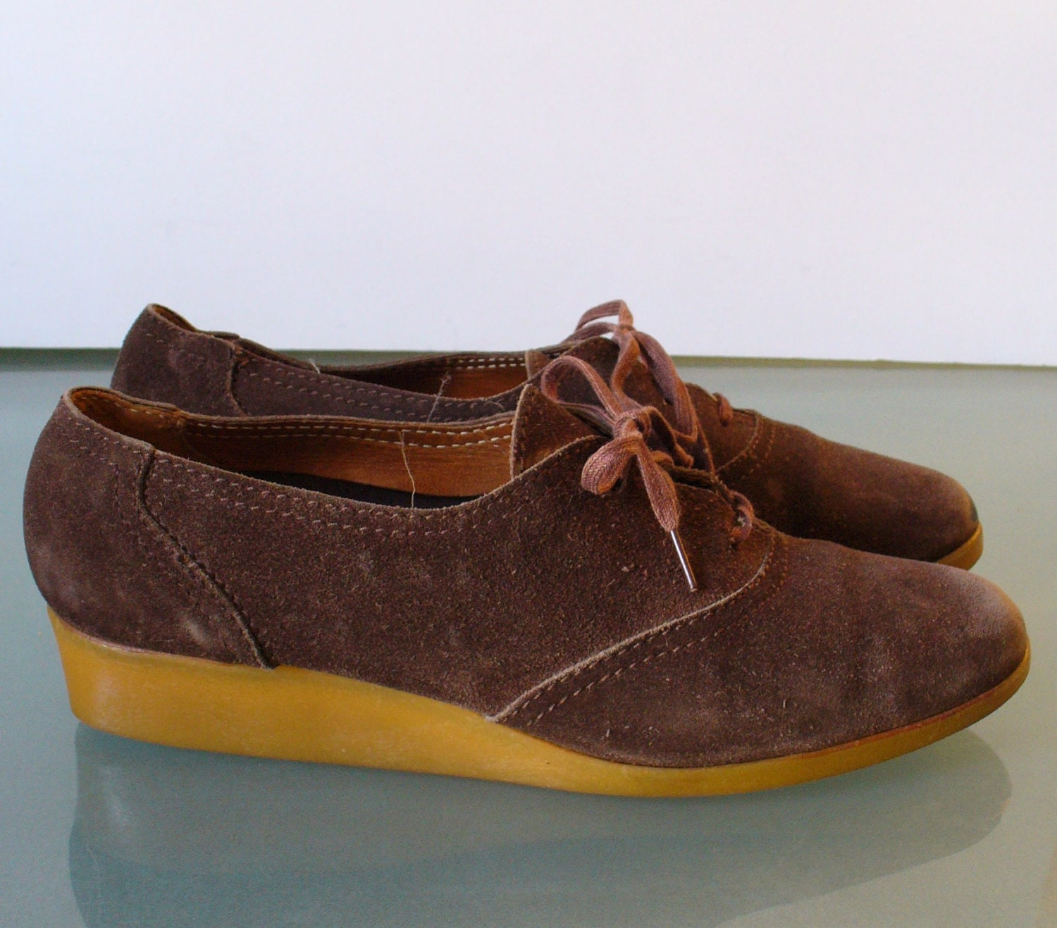 9ff9ff4e48659 Vintage Capezio Made in Italy Wedge Heel Suede Oxfords Size 7.5 US