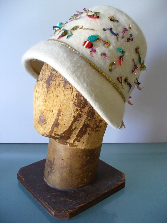 6760ef1eb7d Made in Italy Swan Wool Cloche Hat