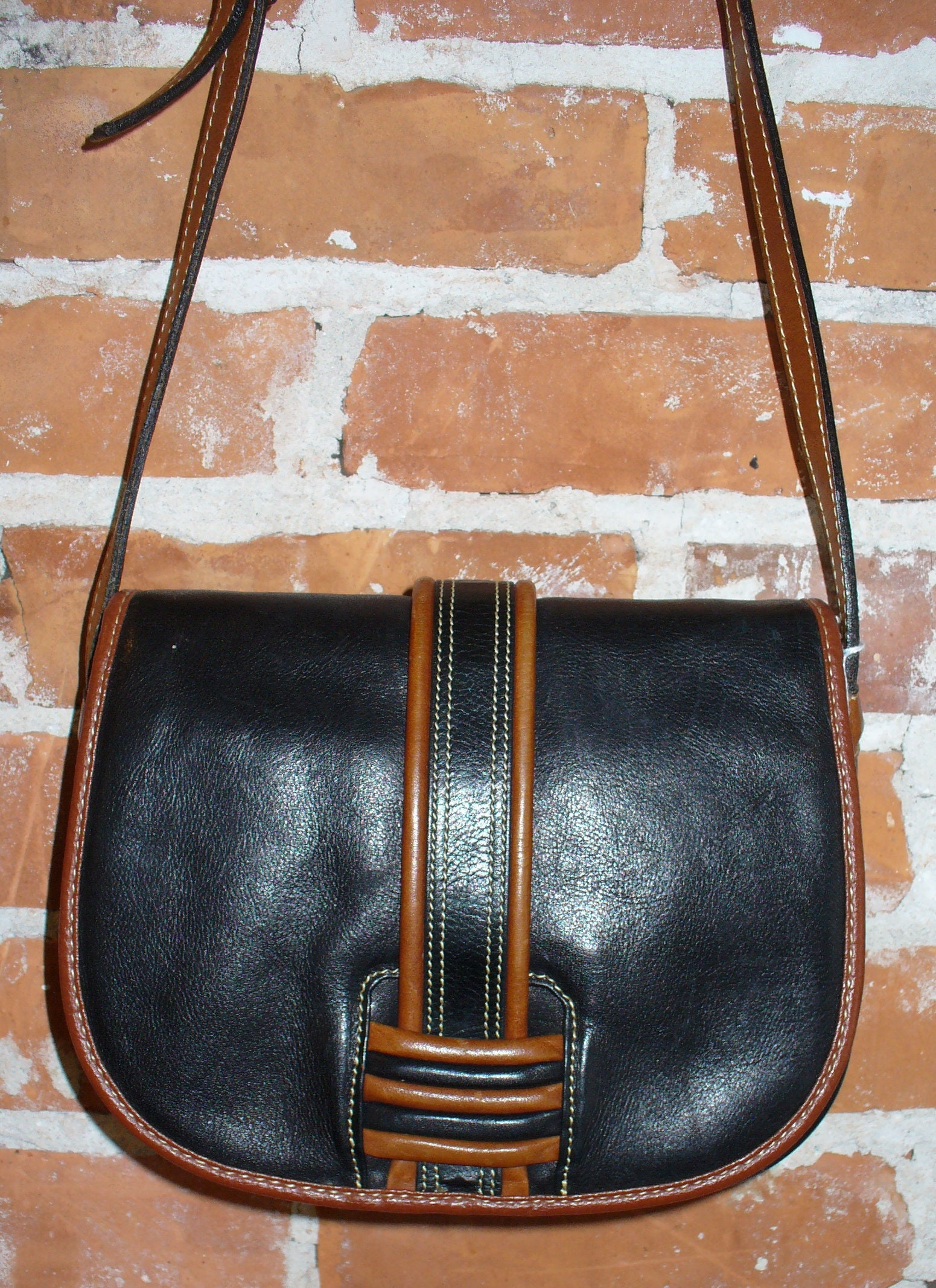 c7bab52aa15e Peruzzi Made in Italy Leather Crossbody Bag