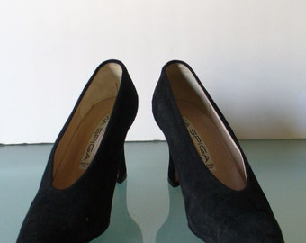 Via Spiga Made in Italy Suede Heels SIze 7B US