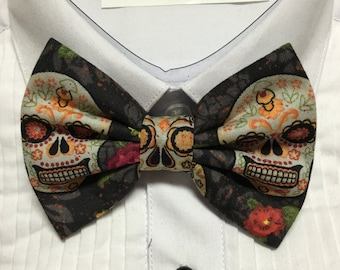Ivory and Gray Mexican Vintage Sugar Skull Print Bowtie / Bow Tie