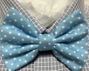 Light Blue with White Polka Dot Bow Tie / Bowtie  Vintage