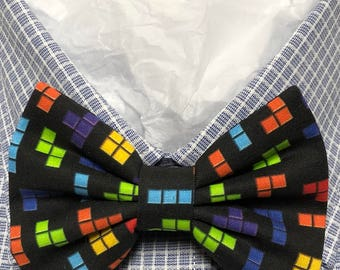 Shapes on Black Print Bowtie / Bow Tie