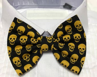 Yellow Gold Skull Spooky Print Bowtie / Bow Tie
