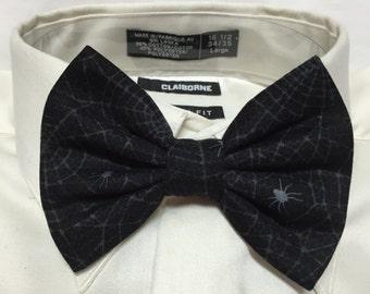 Spider Web Spooky Subtle Print Bowtie / Bow Tie