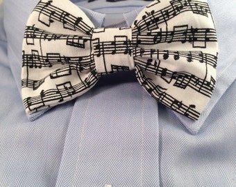 Music Print Bowtie / Bow Tie