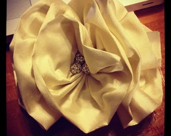 Fabulous vintage inspired Bridal Fascinator